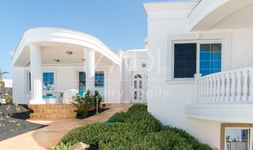 Newly built luxury villa in Puerto Calero, Lanzarote