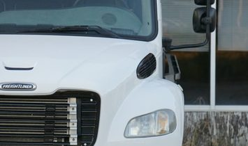 2007 FREIGHTLINER M2 106 Business Class Crew Cab
