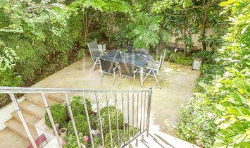 Bonita casa familiar con jardín en Neuilly Sur Seine, Paris