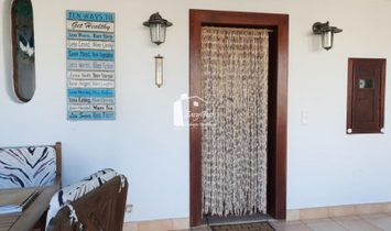 Fabulous 4 Bedroom Villa - Guia