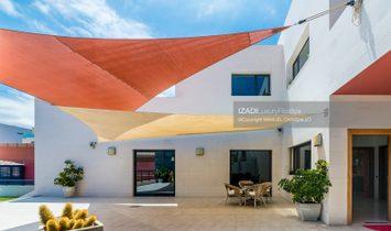 Chalet con amplio jardín y piscina en La Garita