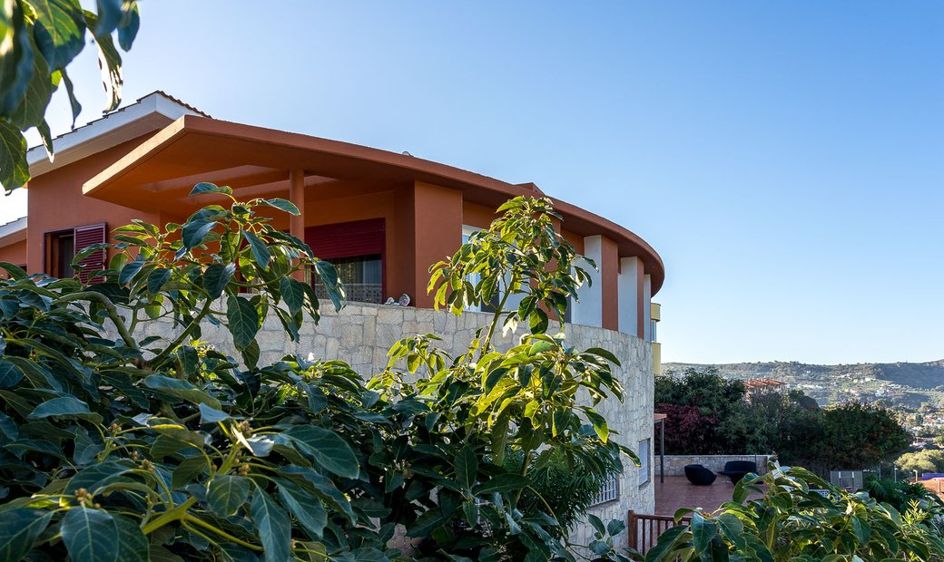Detached Villa with Heated Indoor Pool and Beautiful Views