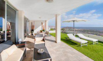 Diseño y exclusividad en Costa Adeje con vistas al mar y La Gomera