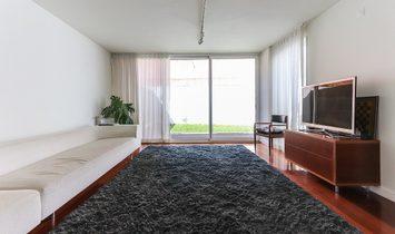 Modern Villa near the Tejo River