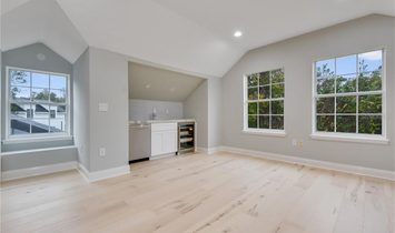 6 Bedrooms Single Family Detached