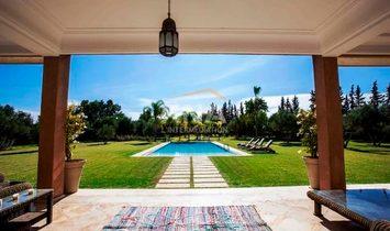 Belle Villa située sur la route de Ouarzazate km12 du centre-ville