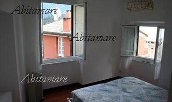 CAMOGLI CENTER characteristic apartment with a glimpse of the sea