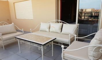 Joli appartement dans une rue calme sans vis à vis et doté d'une belle terrasse