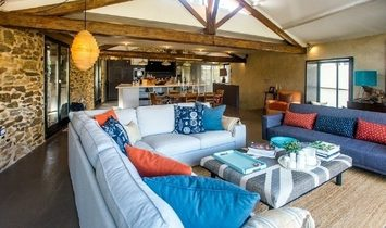 Superb Renovated Stone Barn With 170 m2 Of Living Space, Courtyard And Terraces With Views.