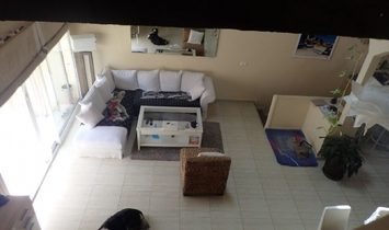 Bright Renovated Apartment With 3 Bedrooms, Lounge/kitchen And Large Terrace With Barbecue.