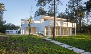 House 5 Bedrooms For sale Sesimbra