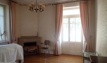 Sumptuous Property With Main House And Outbuildings On A Plot Of 12463 m2 Bordered By A River.