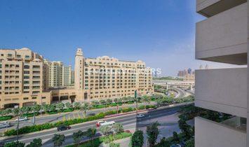 Contemporary Living |Marina Skyline View