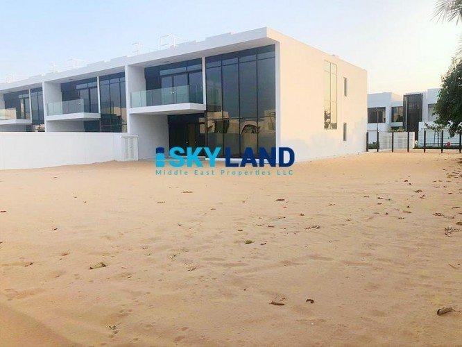 House in Al Sa'Diyat, Abu Dhabi, United Arab Emirates 1