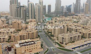 Burj Khalifa & Canal Views | 2 Balconies