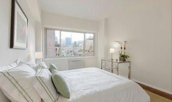 High Floor 3 Bedroom with Open North Sunny Exposure