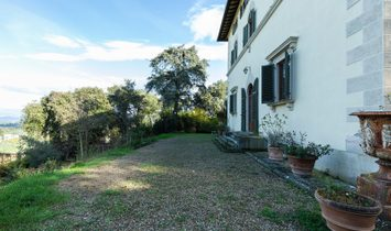 Historic villa with park in Impruneta