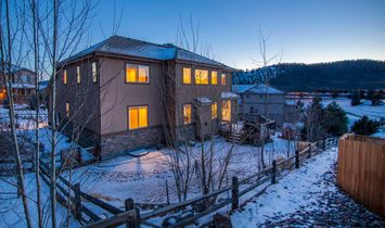 Live The Quintessential Mountain Lifestyle!