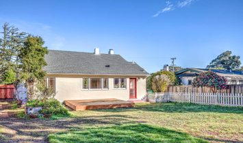 Charming Pacific Grove Bungalow!