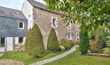 For sale property in the heart of a village Côtes d'Armor, Brittany
