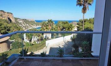 SPACIOUS VILLA 4 bedrooms with spectacular views of the sea in the area of BALCON Al MAR · Javea