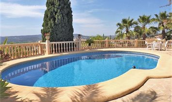 MAGNIFICENT VILLA with 3 bedrooms and 3 bathrooms, guest apartment and panoramic views of the sea an