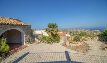 Villa on sale with views to the sea, Benitachell