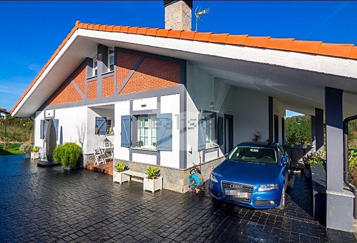 Villa in Urizar, Basque Country, Spain 1