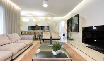 Breathtaking 6 bedroom villa in Vila Sol
