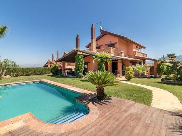 Villa in Dílar, Andalusia, Spain 1