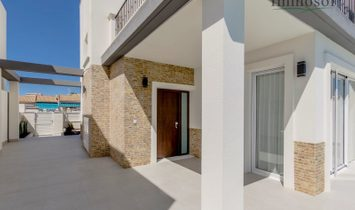 Detached Villas with Private swimming pool in Torrevieja