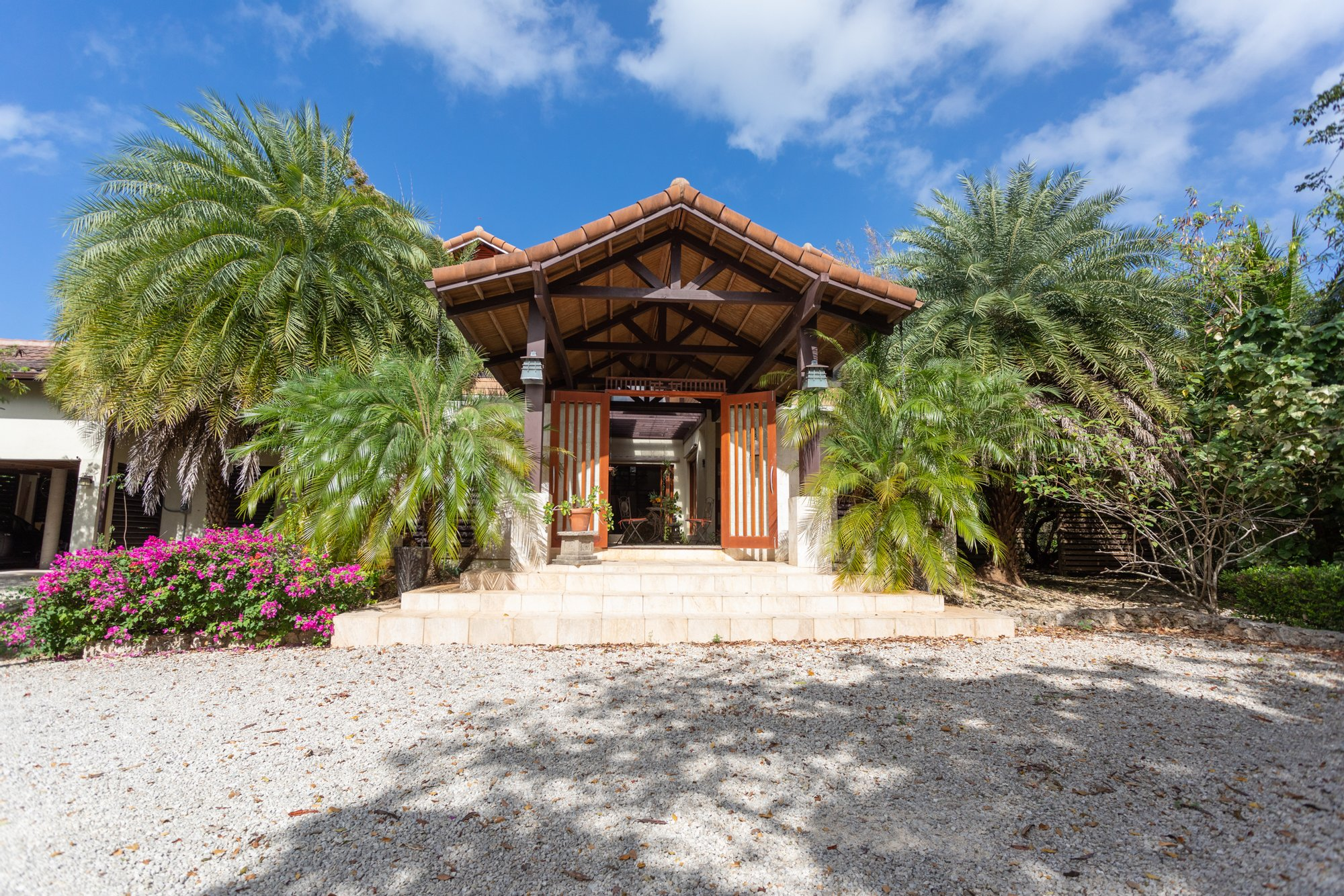 Chalet in North Side, Cayman Islands 1