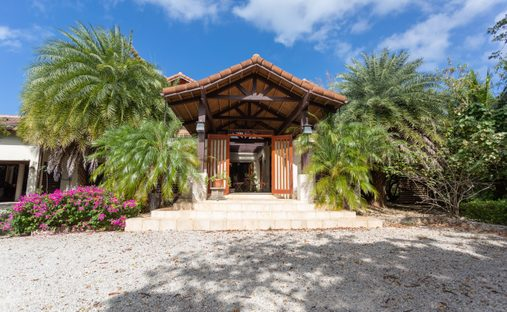 Chalet in North Side, Cayman Islands