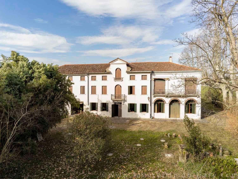 Villa in Mirano, Veneto, Italy 1