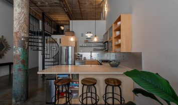 Stunning Two Bed/Two Bath Loft In Sought After Cabbagetown