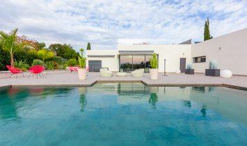 Villa in Antibes, Provence-Alpes-Côte d'Azur, France 1
