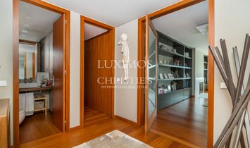 Sale of apartment, with sea view, in Matosinhos, Portugal