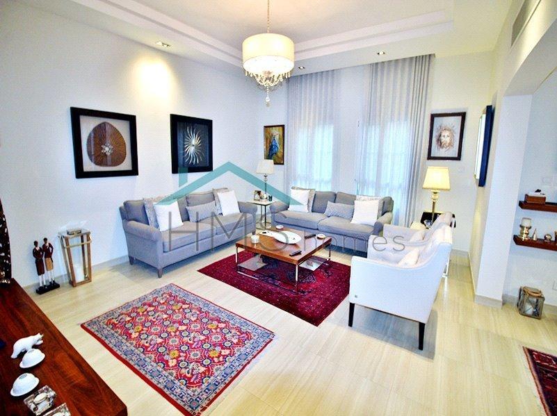Villa in Emirates Hills, Dubai, United Arab Emirates 1