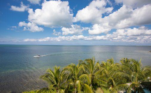 Condo in Omega Bay Estates, George Town, Cayman Islands