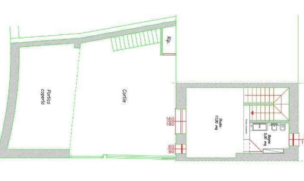 Edificio cielo-terra centro storico a Moniga