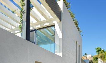 Villa  for sale in Los Flamingos, Málaga
