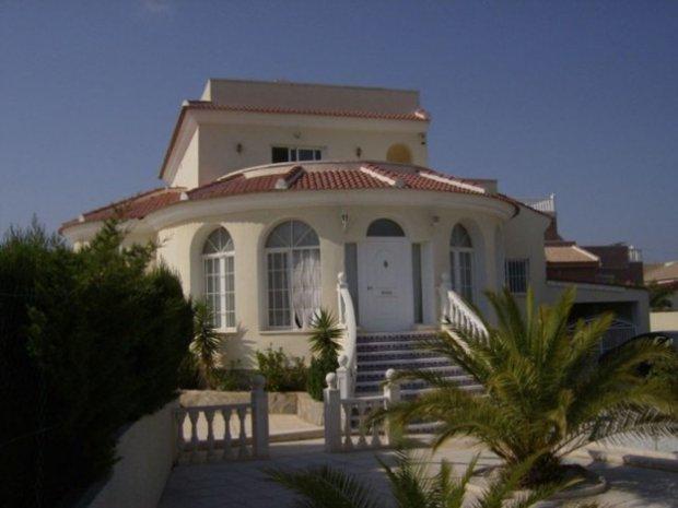 Villa in Ciudad Quesada, Valencian Community, Spain 1