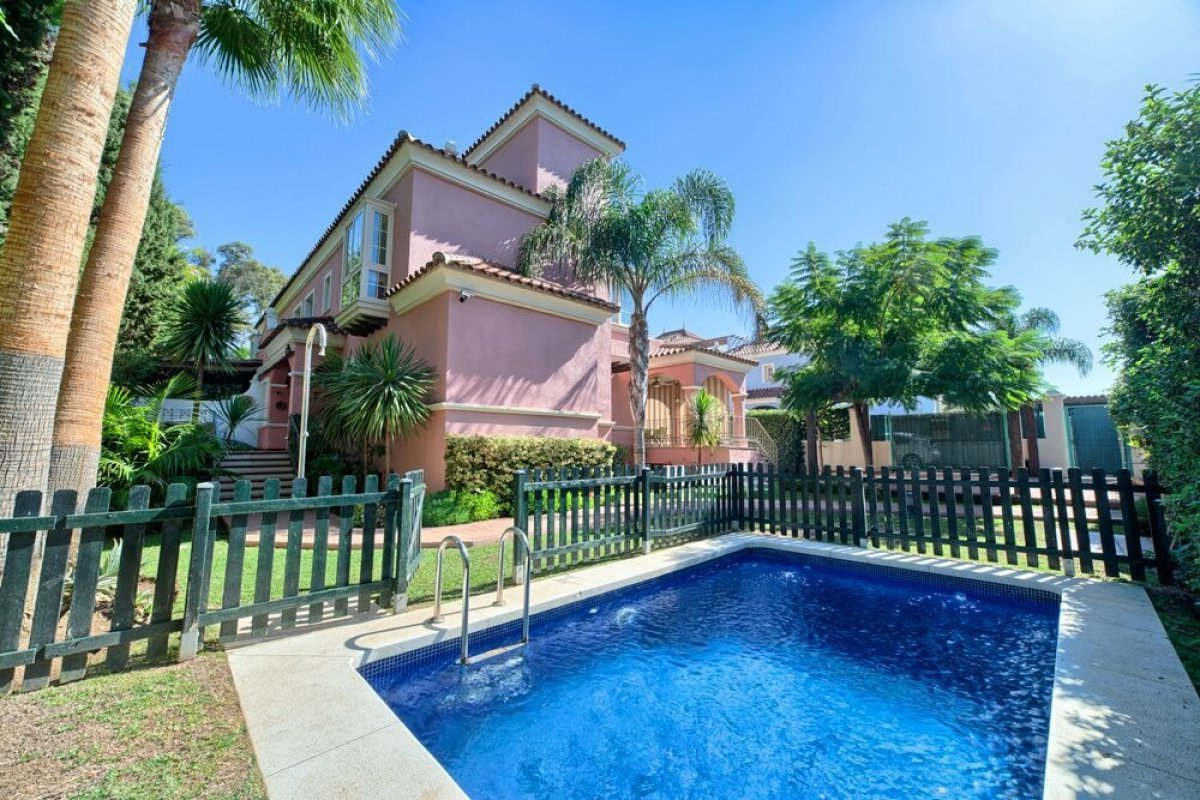 Villa in Marbella (Puerto Banus), Andalusia, Spain 1
