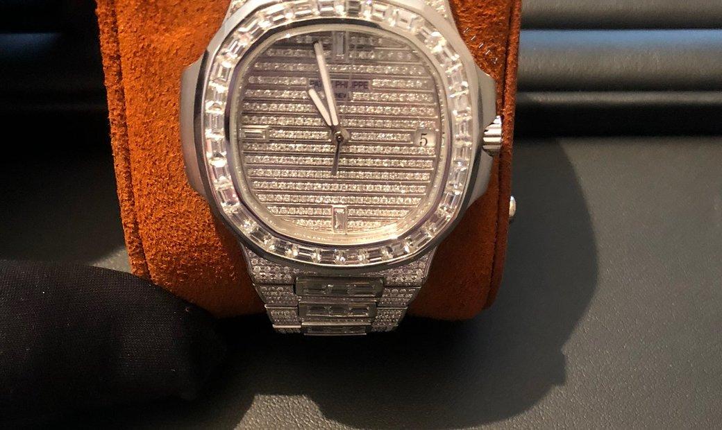 Patek Philippe Nautilus 5719/10G White Gold and Diamond set