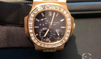 Patek Philippe Nautilus 5724R Rose Gold Diamond Set