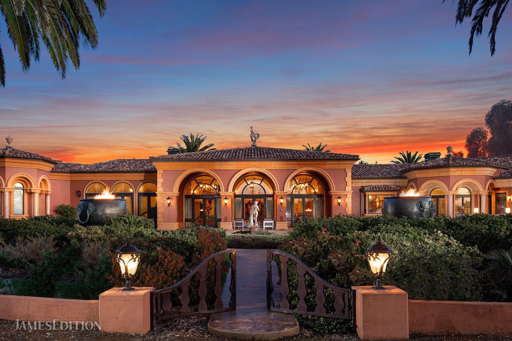 Villa in Cambria, California, United States 1