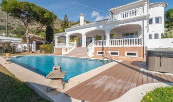 Elegant and luminous 4bd Villa Valo