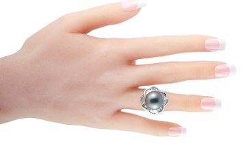 LB Exclusive LB Exclusive Platinum 2.46 ct Baguette Diamond and Pearl Ring