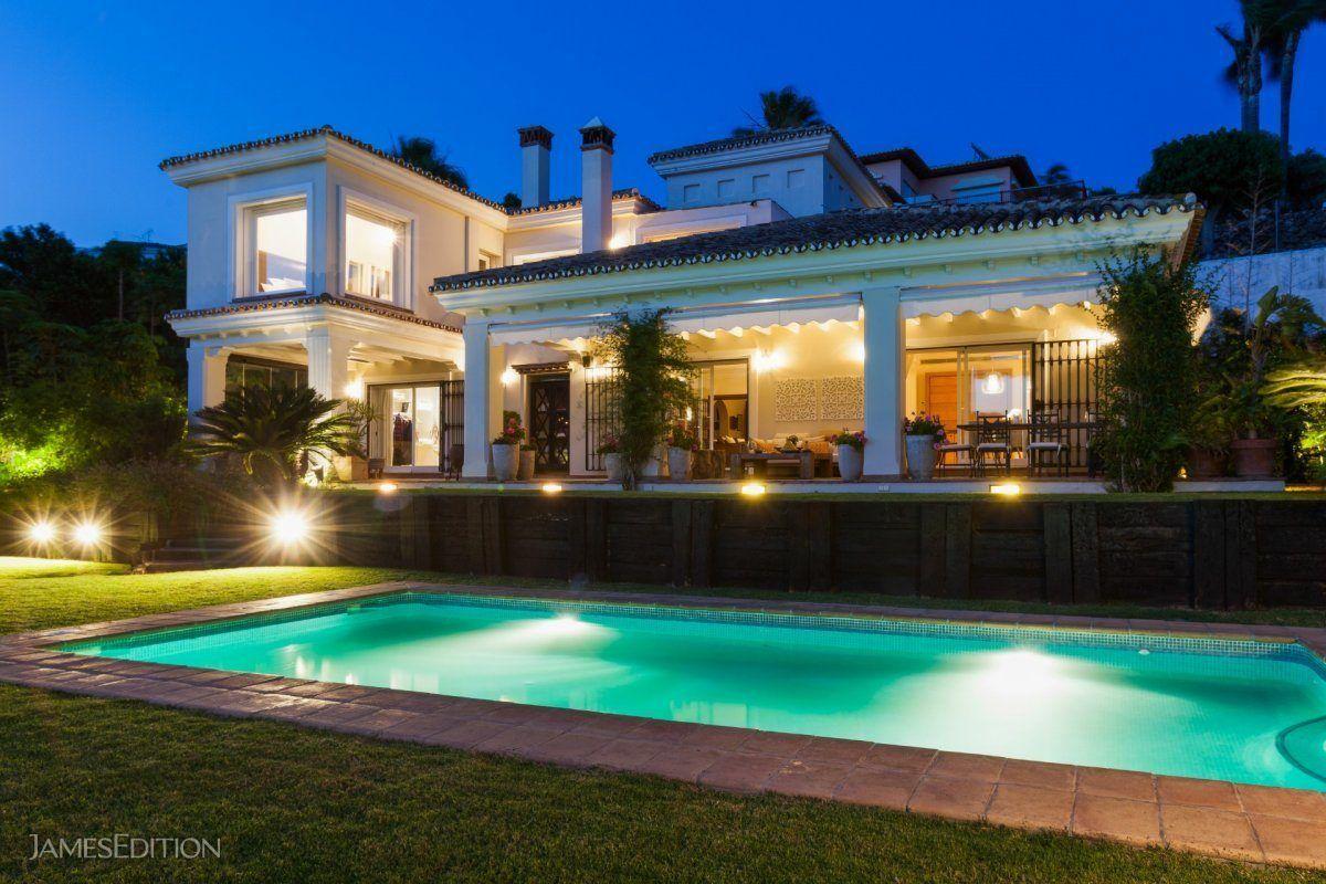 Villa in Benalmádena, Andalusia, Spain 1