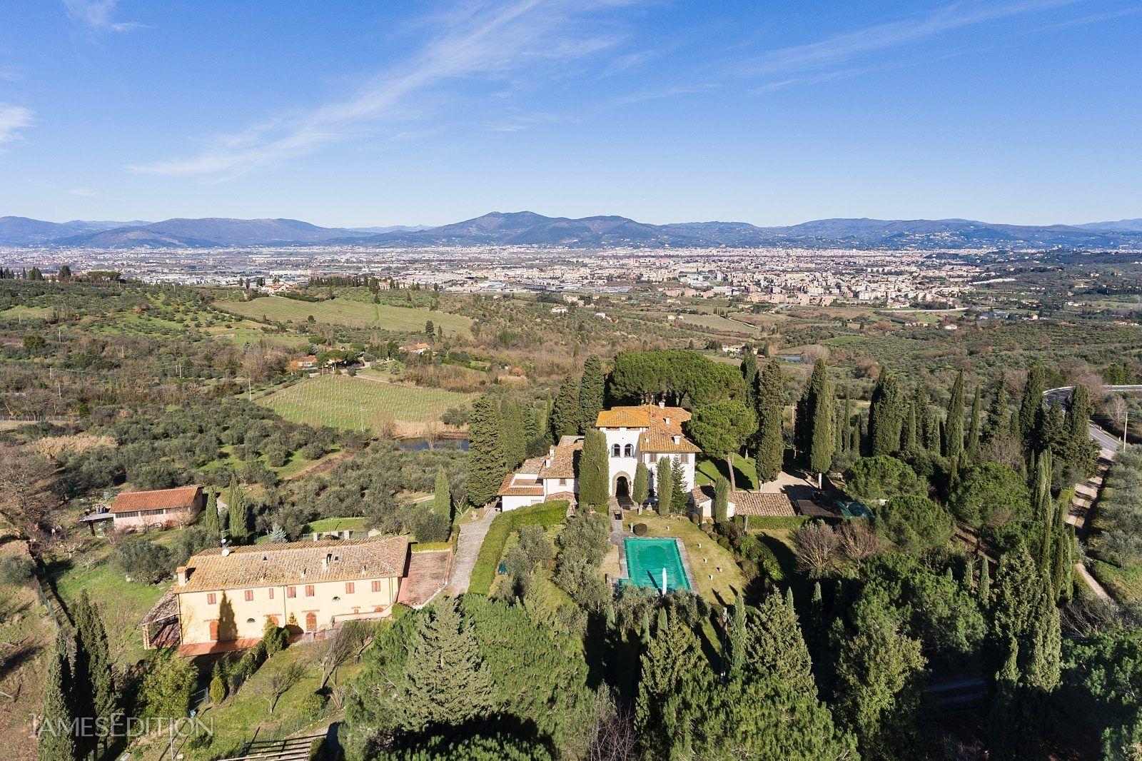 Villa in Tuscany, Italy 1 - 10852646